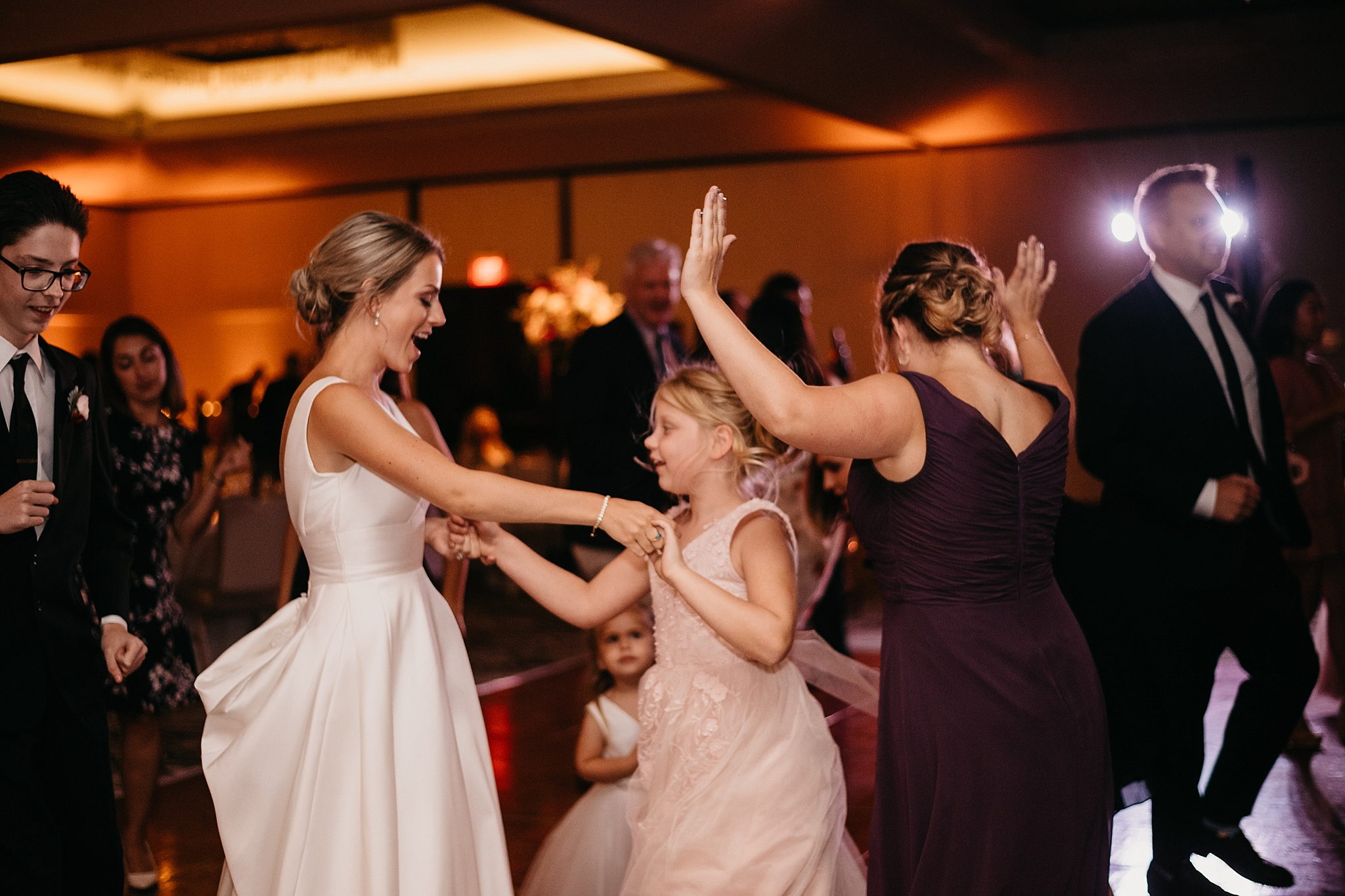dancing-at-wedding